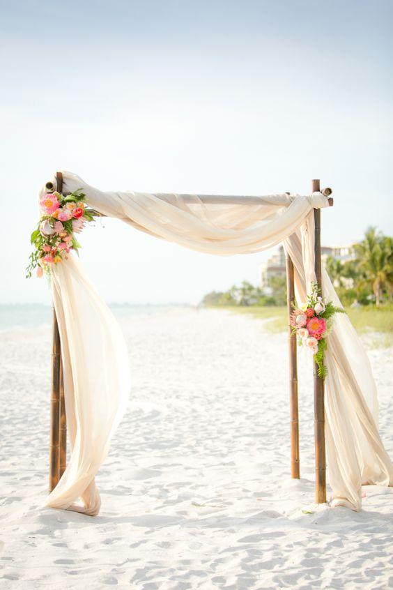 Matrimonio Spiaggia Decorazioni : Matrimonio in spiaggia idee decorazioni e consigli sposa felice