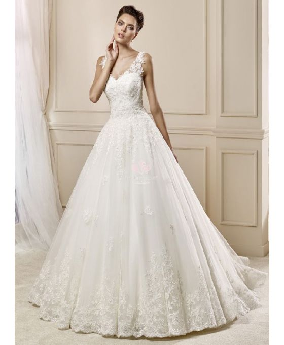 4171a758b798 Ammetto che quando si tratta di abiti da sposa online sono sempre piuttosto  scettica ma devo dire che c è uno shop italiano che offre alle spose ...