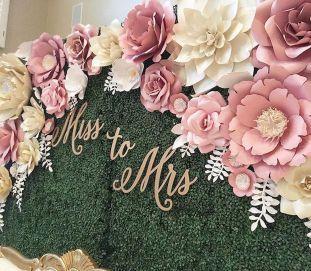 Fiori giganti in carta e non solo per decorare il vostro matrimonio