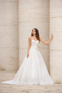 Laura Couture collezione abiti da sposa 2019 18