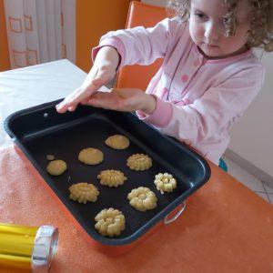 Biscotti di pastafrolla ricetta per utilizzare la sparabiscotti_2