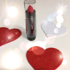 Beauty recensione rossetto Wet n Wild 1
